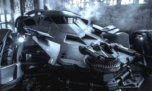 Batman-V-Superman-Dawn-Of-Justice-Batmobile-586x3901-e1432648568271